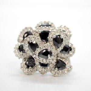 Rhinestones With Black Gem Stones Ring-0