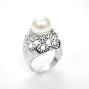 Silver Ring With Pearl Center-0